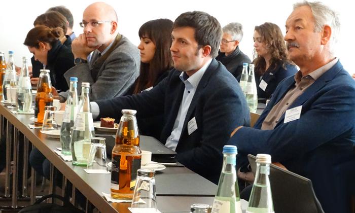 """In Bayern hat man klar erkannt, dass der """"Skandinavische Weg"""" mit Lokalanästhesie und Qualifikation von Anwendern dieser Methode auch für die deutschen Ferkelerzeuger der praktikabelste ist."""