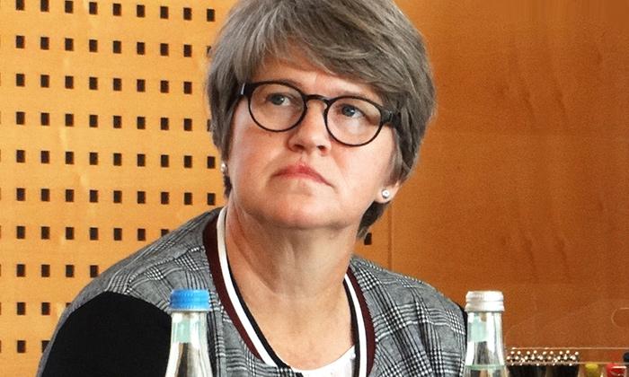 """Dr. Susanne Lehnert, EQAsce (Ostbevern) – Vortragende: EQA-Standard zur Akkreditierung von Bildungsanbietern.  """"Bei der Abstimmung eines EU-weiten EQA-Qualifizierungsstandards können wir auf Erfahrungen aus der Schweiz, Dänemark, Schweden und Pilotprojekten in Deutschland zurückgreifen"""""""